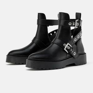 Zara Low Heeled Cutout Studded Buckle Boots 40(9)